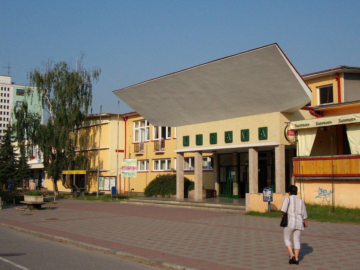 Zena - Voln msta v lokalit Kralupy nad Vltavou (i s platy